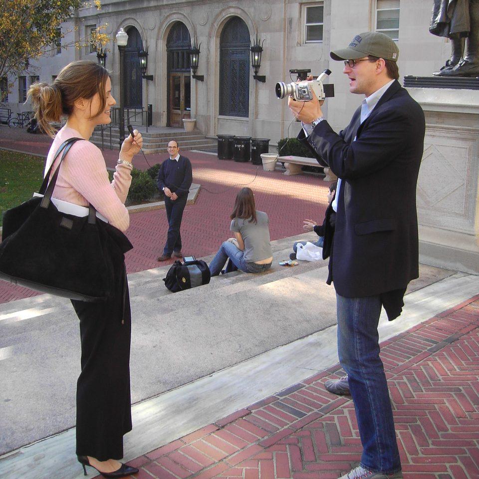 Bethany McLean und Nikolai A. Behr im Interview